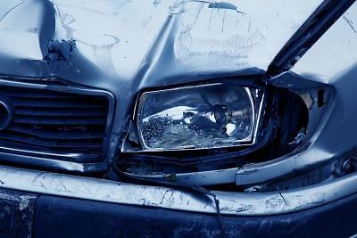भोपाल में विसर्जन जुलूस में घुसी कार, एक को चोट आई