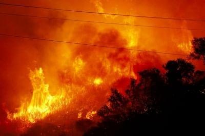 कैलिफोर्निया: एलिसल की आग फैली, लोगों को बाहर निकलने के आदेश