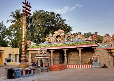 हाई कोर्ट के आदेश के बाद तमिलनाडु सरकार ने अतिक्रमित मंदिर की भूमि पर वापस कब्जा पाने का काम शुरु किया