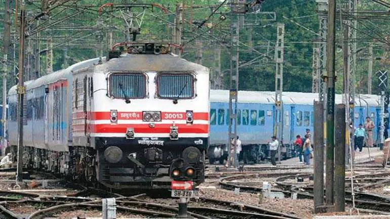 रेलवे में निकली इन पदों पर वैकेंसी, 1600 से ज्यादा पदों पर भर्ती का मौका