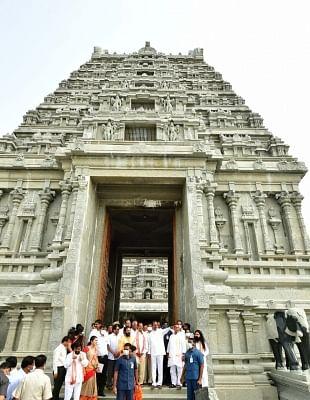 हेटेरो के चेयरमैन तेलंगाना के यादाद्री मंदिर के लिए 5 किलो सोना देंगे