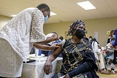 15 अफ्रीकी देशों ने 10 प्रतिशत कोविड टीकाकरण लक्ष्य हासिल किया: डब्ल्यूएचओ