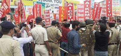 लखीमपुर हिंसा: किसान रेल रोको आंदोलन से 130 जगहों पर रेल सेवाएं प्रभावित, जाने पूरा डिटेल