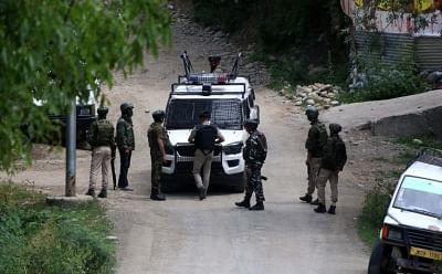 कश्मीर : आतंकियों ने गोलगप्पा विक्रेता को भी नहीं बख्शा, 24 घंटे में 4 लोगों को गोली मारी थी