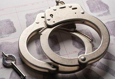सिपाही से रंगदारी वसूलने की कोशिश करने वाली महिला गिरफ्तार