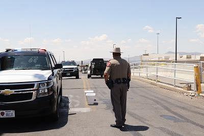 टेक्सास में घातक गोलीबारी में 1 डिप्टी की मौत, 2 घायल