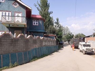 एनआईए ने कश्मीर में कई जगहों पर की छापेमारी