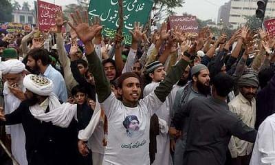 टीएलपी पार्टी के मार्च रोकने के लिए इस्लामाबाद सील