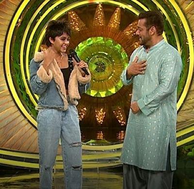 बिग बॉस 15: श्रीलंकाई गायिका योहानी को सलमान खान के साथ गाने में मजा आया