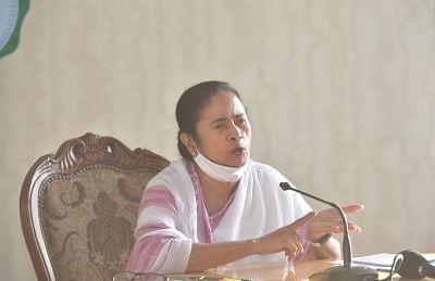 भवानीपुर में ममता आगे, अन्य 2 सीटों पर भी तृणमूल आगे