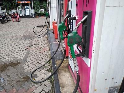 पेट्रोल, डीजल की कीमतों में लगातार दूसरे दिन नहीं हुई बढ़ोतरी