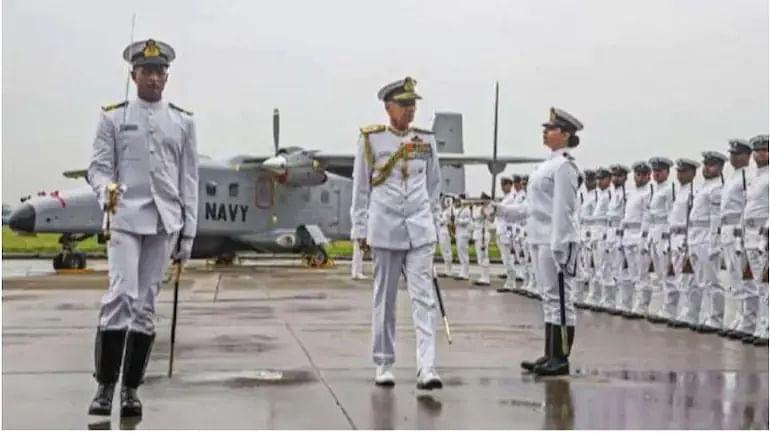 भारतीय नौसेना में निकली बंपर भर्ती, 10वीं पास वालों को मिलेगी 70 हजार तक सैलरी