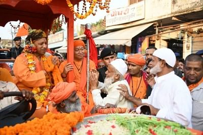 cultural-unity-is-seen-in-the-procession-of-gorakshpeeth
