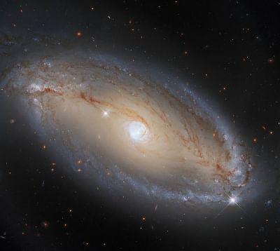 हबल ने आकाशीय नेत्र वाली सर्पिल आकाशगंगा का पता लगाया