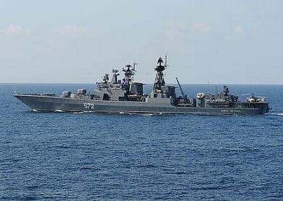 रूस ने अमेरिकी विध्वंसक को जापान सागर में घुसपैठ करने से रोका