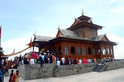 नवरात्रि शुरू होते ही हिमाचल के मंदिरों में उमड़े श्रद्धालु