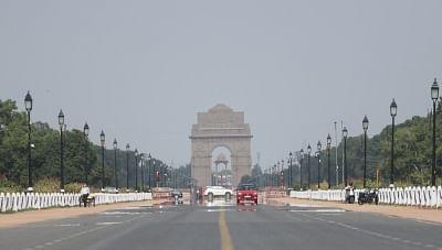 दिल्ली में आसमान साफ, हवा की गुणवत्ता मध्यम