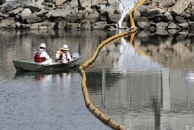 अधिकारियों ने कैलिफोर्निया तट पर तेल रिसाव का आकार घटाया