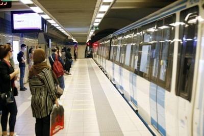 अल्जीरिया में 18 महीने के बंद के बाद मेट्रो सेवा फिर से शुरू