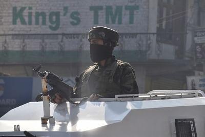 खुफिया एजेंसियों के इनपुट के बाद जम्मू-कश्मीर के महत्वपूर्ण प्रतिष्ठानों की सुरक्षा कड़ी की गई