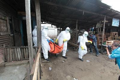 पड़ोसी डीआरसी में इबोला के बढ़ने से  युगांडा अलर्ट पर