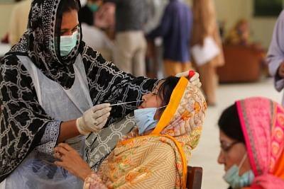 पाकिस्तान में कोरोना के 1,021 नए मामले, 21 लोगों की मौत
