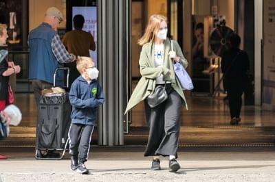 जर्मनी ने स्कूलों में मास्क पहनने की अनिवार्यता में ढील देना शुरू किया