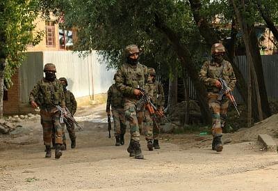 आतंकियों के खिलाफ अभियान की निगरानी के लिए श्रीनगर पहुंचे आईबी के आतंकवाद रोधी प्रमुख