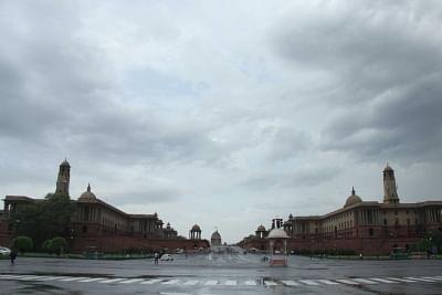 दिल्ली में आसमान साफ, अगले 3 दिनों तक हल्की बारिश का अनुमान : आईएमडी