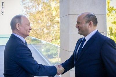 पुतिन ने बेनेट को सेंट पीटर्सबर्ग की यात्रा के लिए किया आमंत्रित