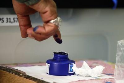 इराक संसदीय चुनावों के लिए शुरूआती मतदान में 69 प्रतिशत वोट डाले गए