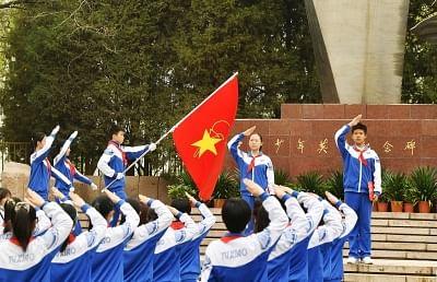 पूर्वगामियों के श्रेष्ठ परंपराओं को विकसित करने और खूब परवान चढ़ने वाली चीनी युवा अग्रदूत लीग