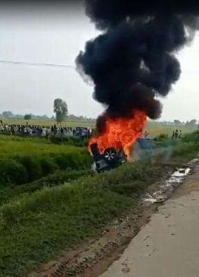यूपी के लखीमपुर-खीरी में कृषि कानूनों पर विरोध प्रदर्शन के दौरान हिंसा, फायरिंग में कुछ लोग जख्मी, वाहनों में आगजनी