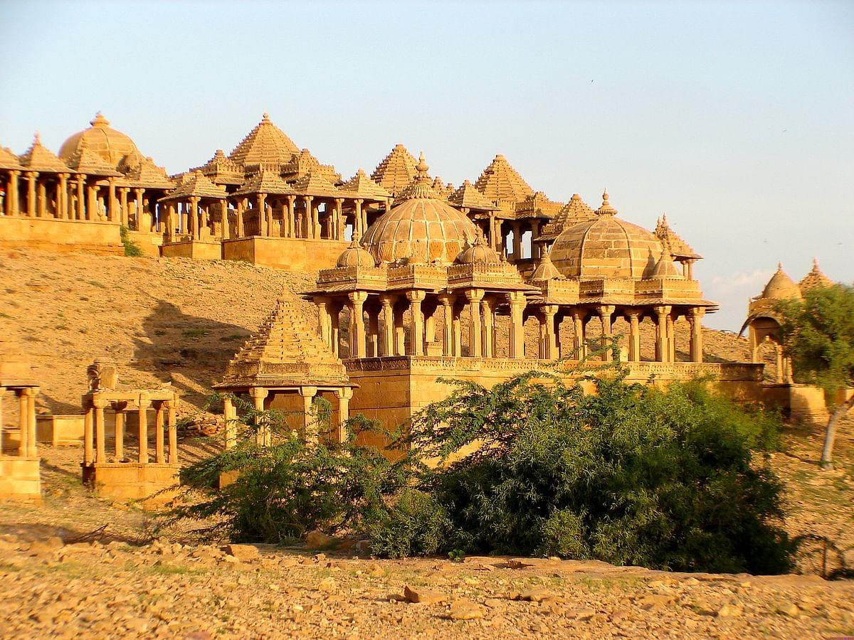 जैसलमेर में बड़ा बाग के बारे में जानकारी- Bada bagh jaisalmer in Hindi