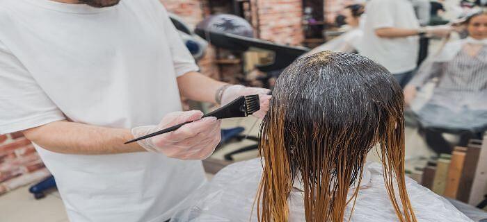 बालों को काला करने के लिए सरल टिप्स
