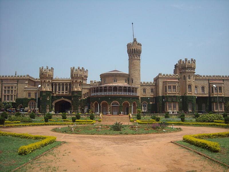 बेंगलूरू महल के बारे में जानकारी - Bangalore Palace in Hindi