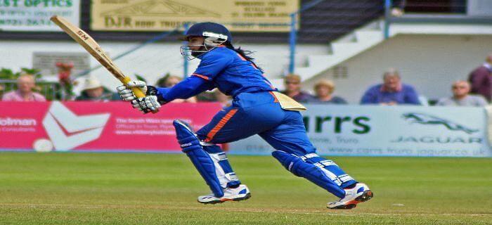 भारतीय महिला क्रिकेट टीम की कप्तान के बारे में बताएं?