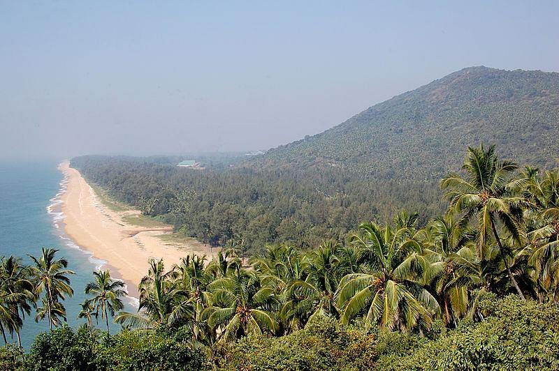 एझिमाला बीच के बारे में जानकारी - Ezhimala Beach in Hindi