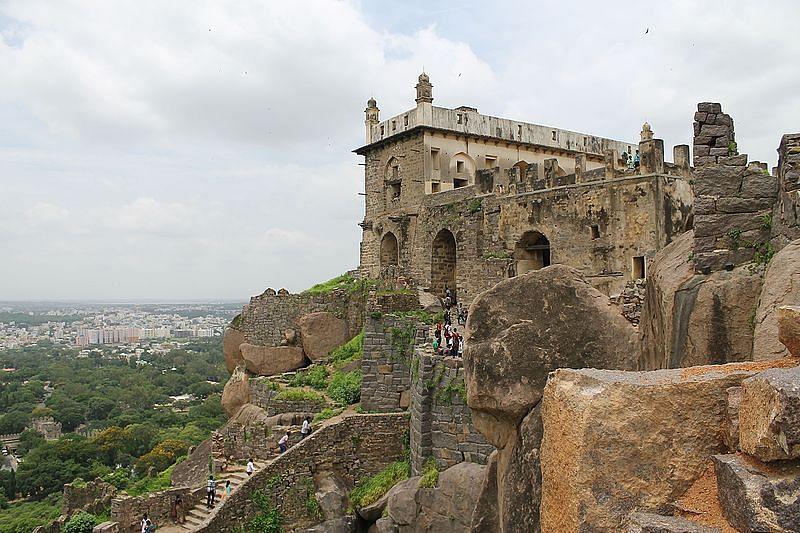 गोलकुंडा किला के बारे में जानकारी - Golconda Fort in Hindi