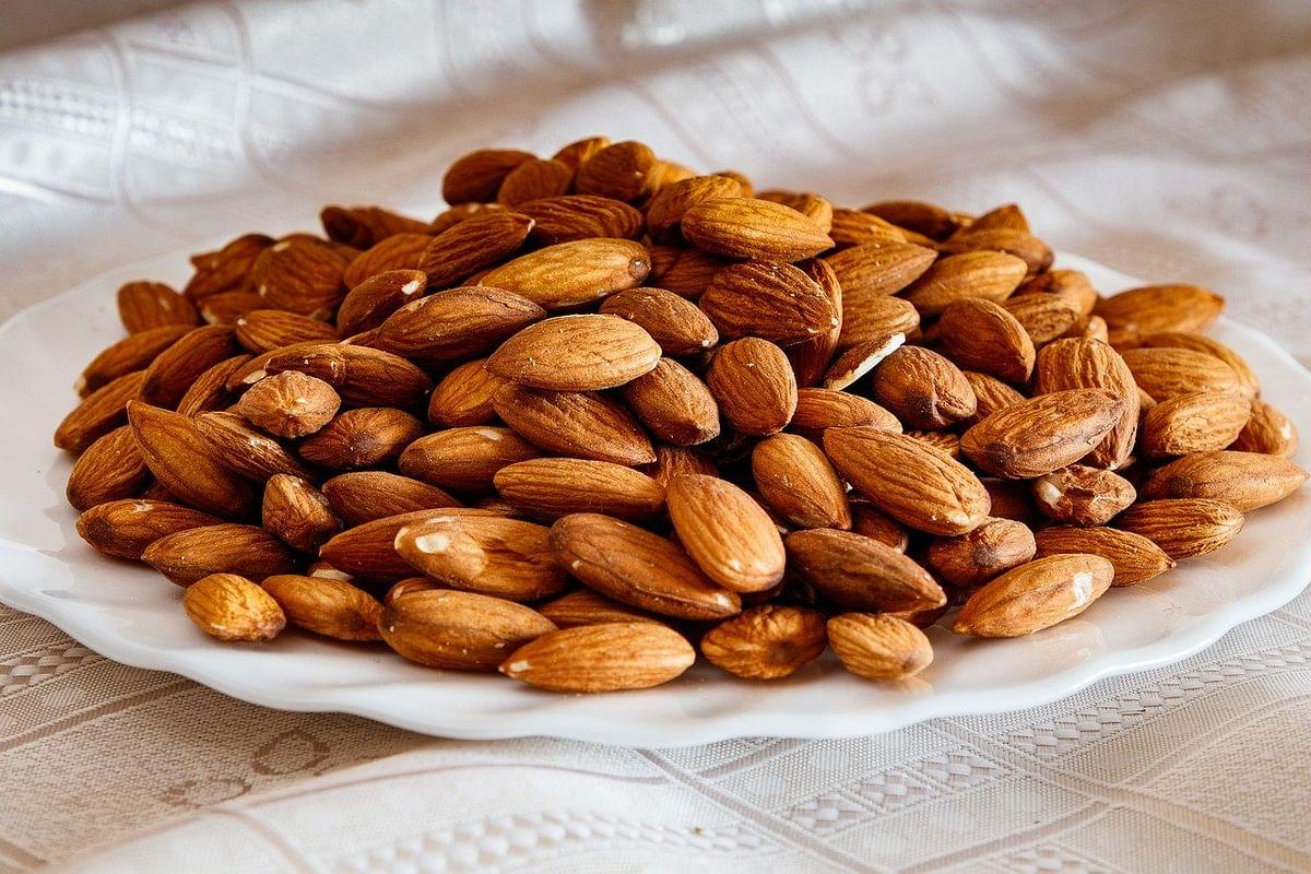 बादाम खाने के स्वास्थ्य लाभ - Health Benefits Of Almond in Hindi