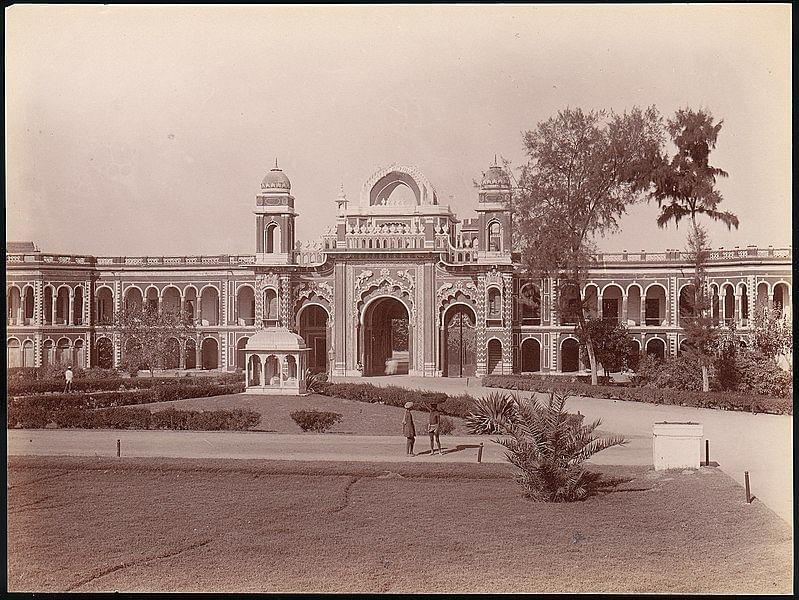 कैसरबाग पैलेस के बारे में जानकारी - Kaiserbagh Palace Lucknow in Hindi