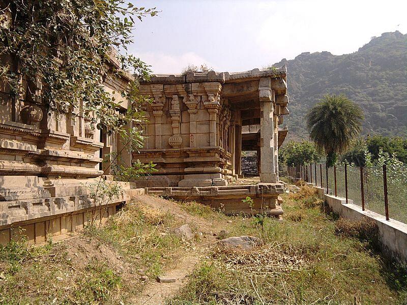 कोंडावीडू किला की गुफाएं के बारे में जानकारी - Kondaveedu Fort in Hindi