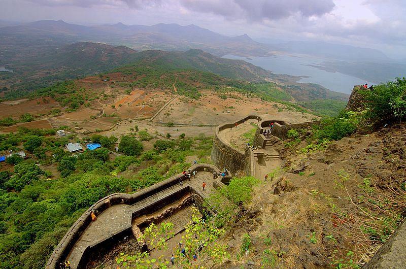 लोहगड किल्ला के बारे में जानकारी - Lohagad Fort in Hindi