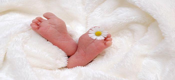 नवजात बच्चे का ध्यान कैसे रखना चाहिए?