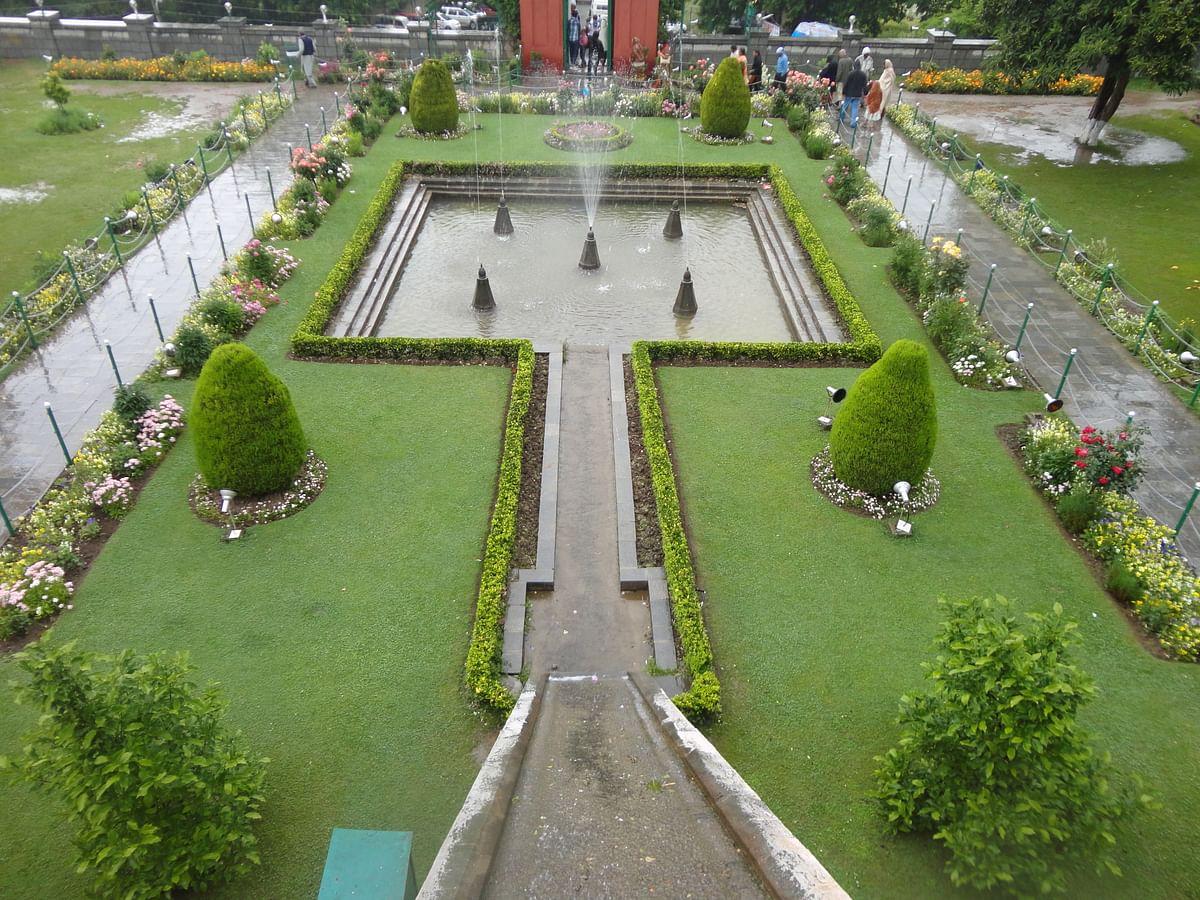 निशात बाग के बारे में जानकारी - Nishat Bagh Srinagar in Hindi