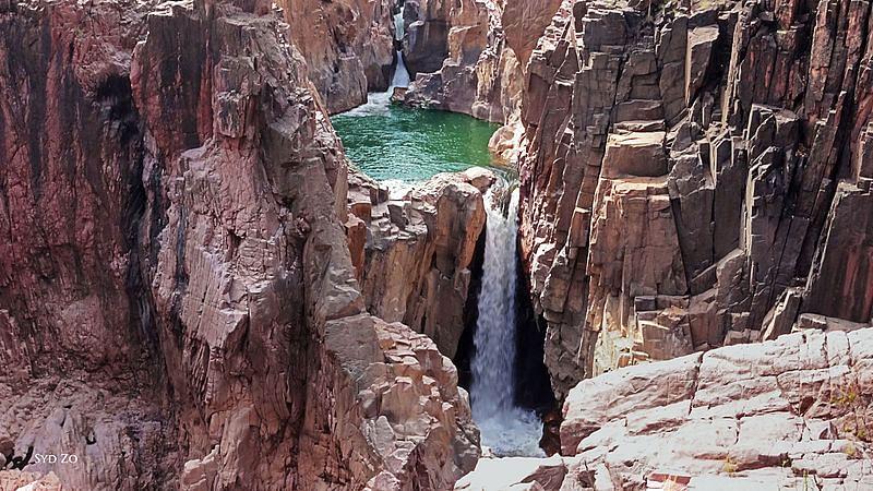 खजुराहो का रानेह झरना- Raneh Waterfall Khajuraho in Hindi
