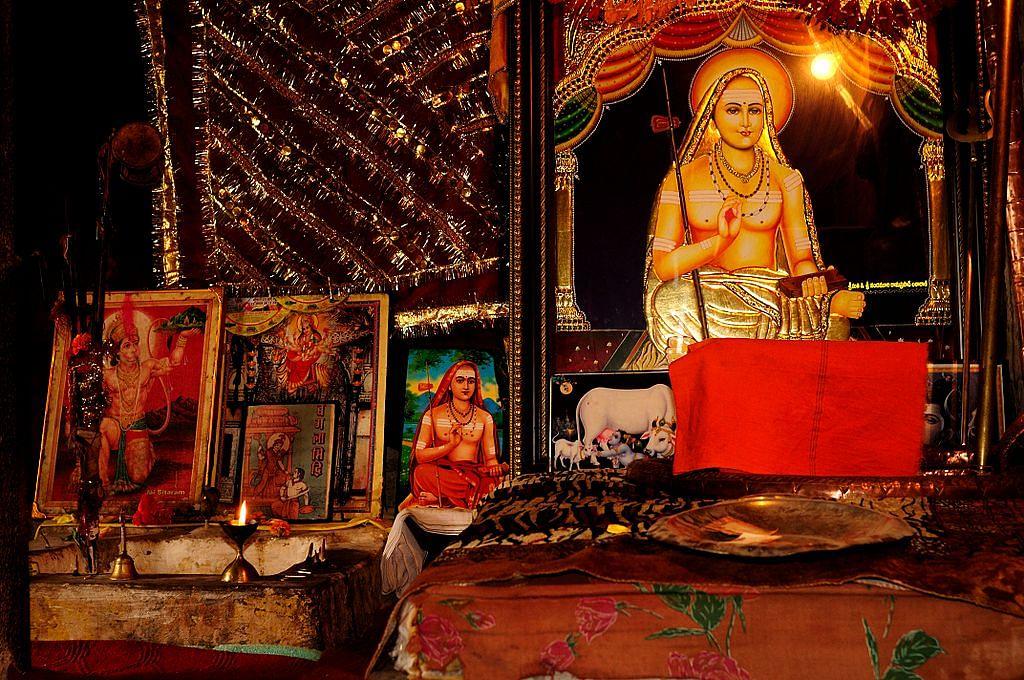 शंकाराचार्य समाधि मंदिर के बारे में जानकारी - Shankaracharya Samadhi Temple in Hindi