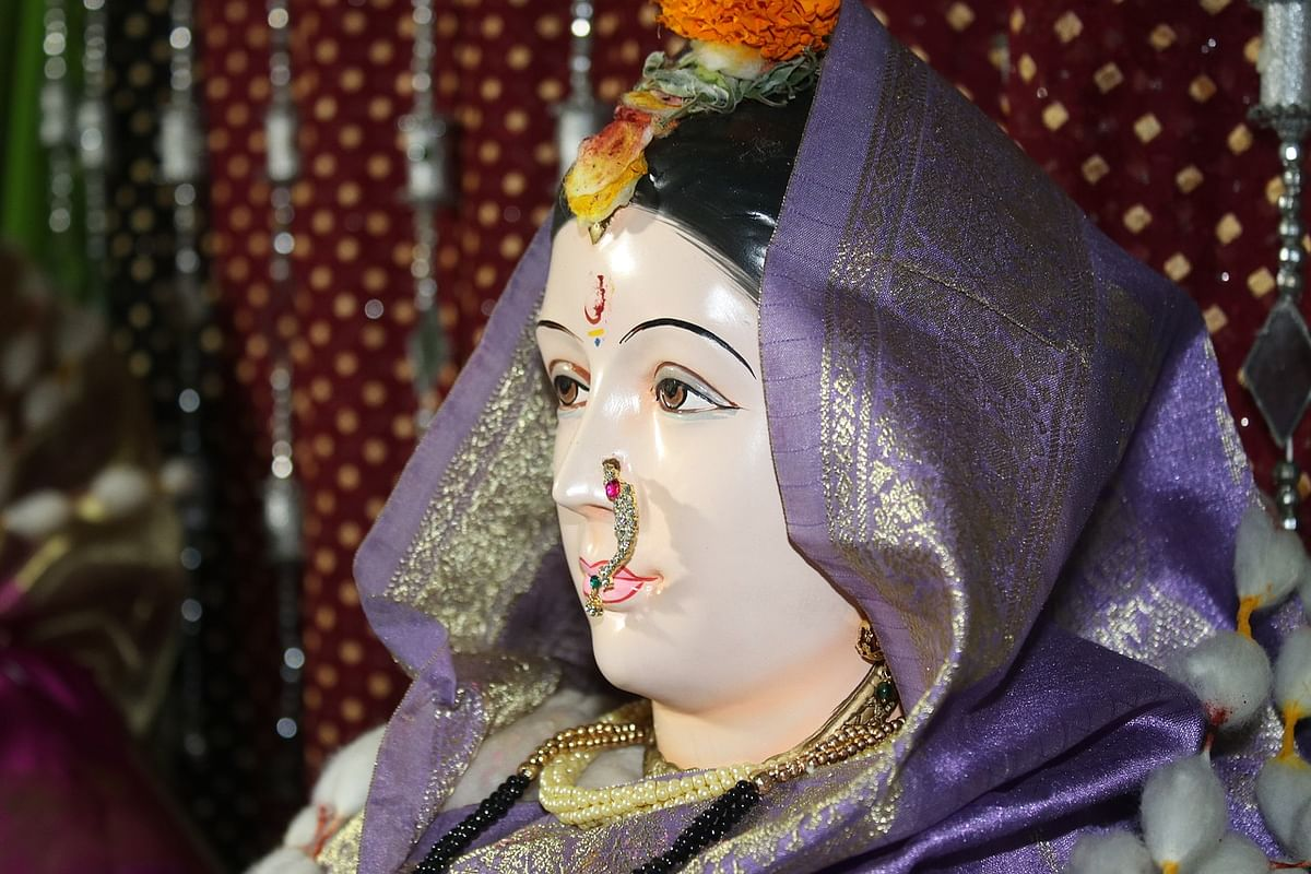 शुक्रवार व्रत कथा- Shukravar (friday) Vrat Katha in Hindi