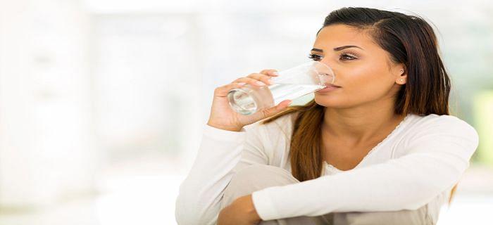 सुबह खाली पेट पानी पीने से दूर होगी बीमारी