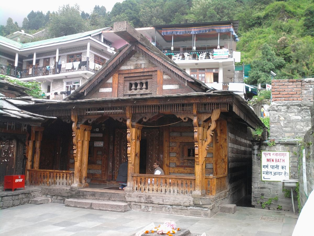 वशिष्ठ गुफा ऋषिकेश के बारे में जानकारी - Vashishtha Guha Temple Rishikesh in Hindi